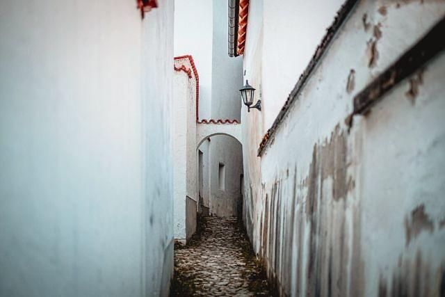Eine kleine Gasse in der Altstadt von Laufen. Bei den regelmäßigen Spaziergängen durch die Stadt und am Fluss entlang gibt es noch viel zu entdecken.⠀ ⠀ #laufenoberbayern #salzach
